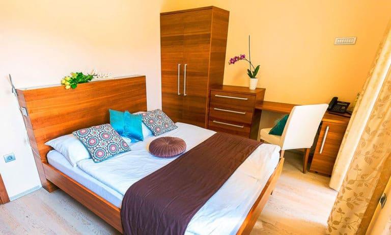 Villa-Aina-Family-Suite2-768x461
